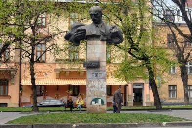 Памятник Степану Тудору во Львове все-таки перенесут
