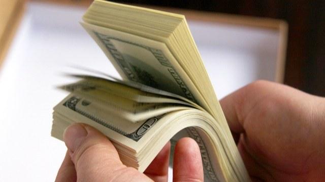 В налоговой Львовщины выявили пятерых взяточников