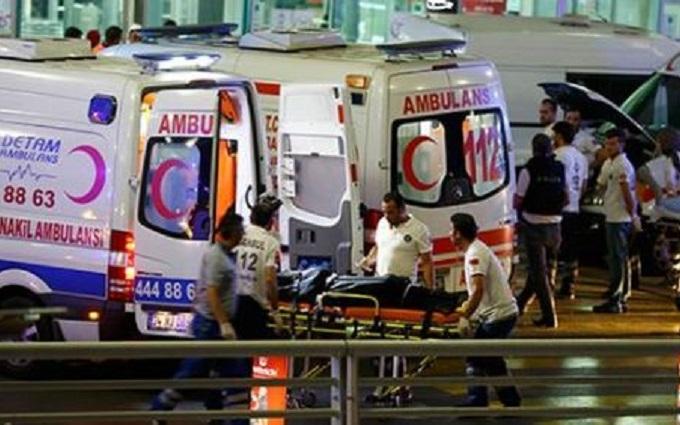 Жертвами теракта в Турции стали украинцы