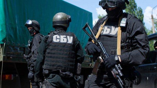 Украинцы контрабандой пытались вывезти старинные иконы в Россию