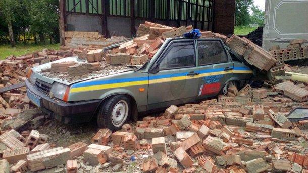 Страшные последствия мощного урагана в Ивано-Франковске (ФОТО)