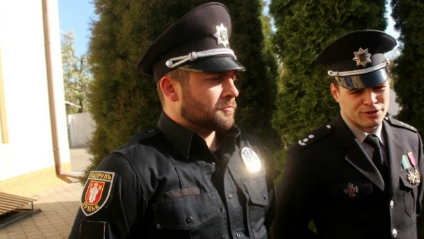 Неизвестный с ножом набросился на главного полицейского Волыни
