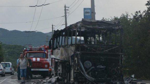 Туристический автобус с детьми сгорел дотла в Крыму (ФОТО, ВИДЕО)