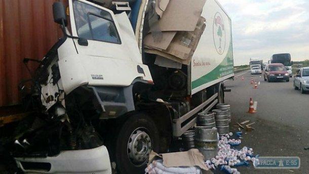 Трасса Одесса–Киев в огромных пробках – водители начинают разбирать отбойники