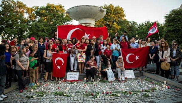 Теракт в Стамбуле: число жертв снова выросло