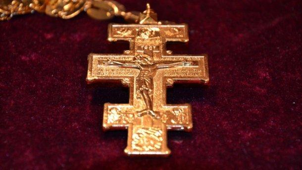 Грешный священник: служитель церкви украл у парафии огромную сумму и сбежал за границу