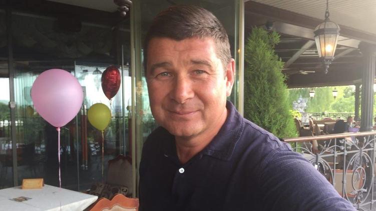 Журналисты застали «беглеца» Онищенко в киевском ресторане