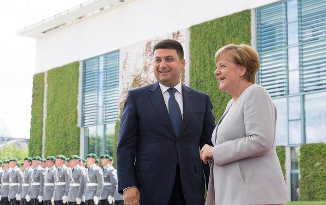 Меркель во время встречи с Гройсманом прокомментировала возможные выборы в Донбассе (ФОТО)