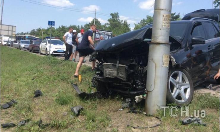 Внук генерала Радченко на Mercedes насмерть сбил скутериста в Конча-Заспе (ФОТО)