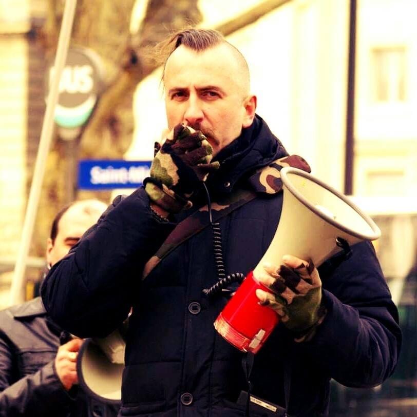 Порошенко призывают дать Героя Украины оперному певцу Слипаку