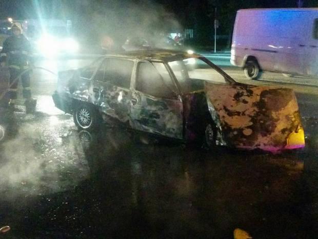 Во Львове после столкновения с маршруткой сгорел автомобиль (ФОТО, ВИДЕО)