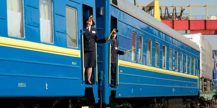 В украинских поездах появилась патриотическая постель (ФОТО)