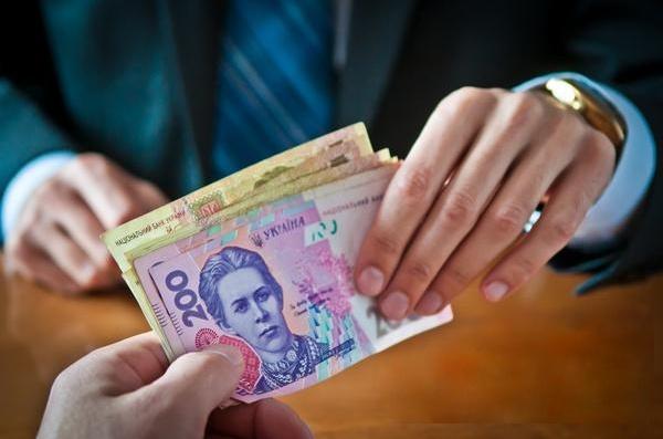 В соцопросе более 2% киевлян признались, что берут взятки