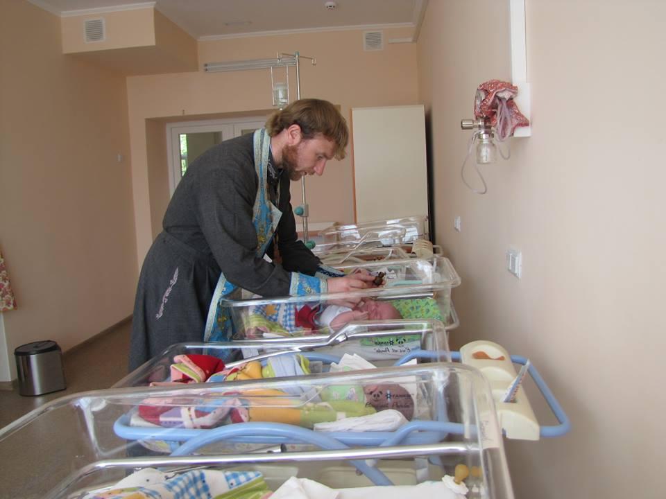 Родители отказались от новорожденной тройни