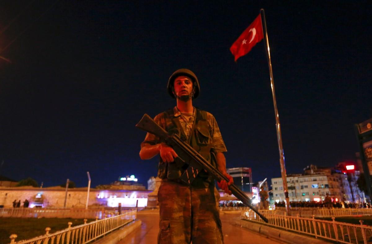 Разведка Турции узнала о подготовке переворота за несколько часов до его начала
