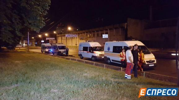Тройное ДТП в Киеве: много пострадавших (ФОТО)