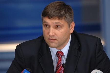 Эксклюзивное видео: журналисты засняли, как Мирошниченко передает деньги прямо в зале Верховной Рады