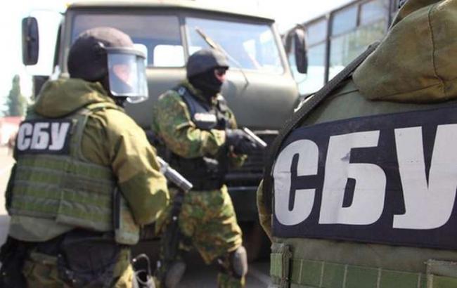 СБУ задержала главу сельсовета Черкасской обл. и его подчиненных на взятке в 170 тыс. долларов
