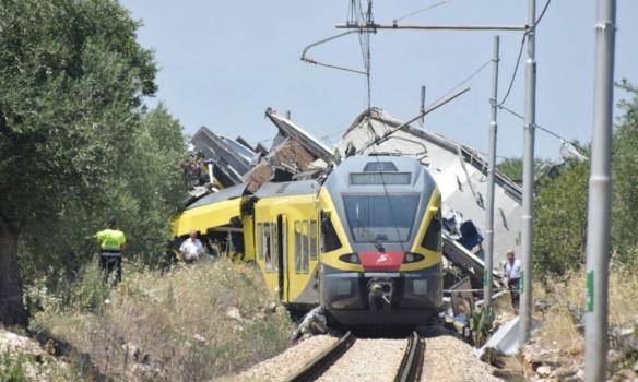 Столкновение поездов в Италии: количество жертв превысило 10 человек (ФОТО)