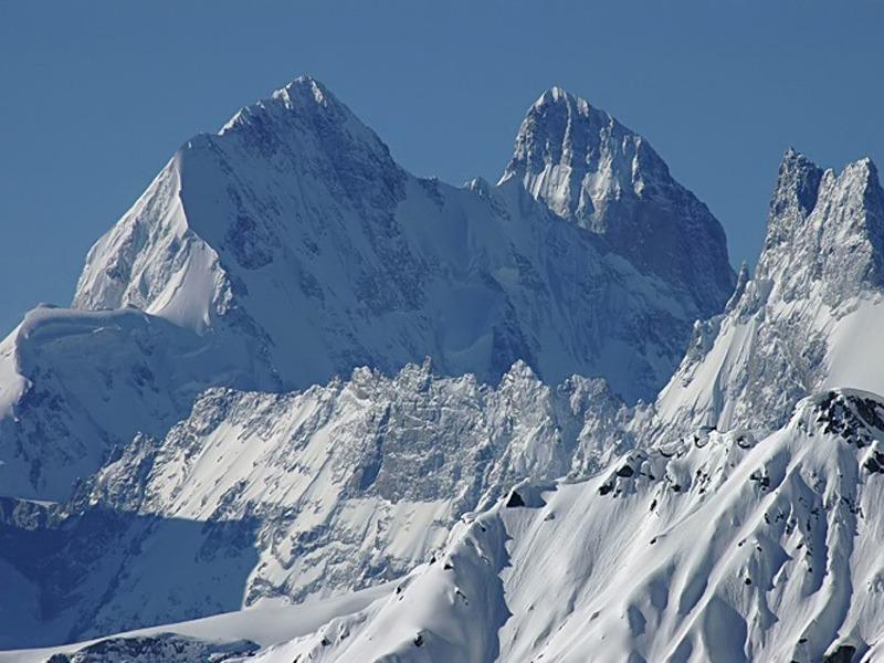В горах Грузии найдено тело погибшего альпиниста из Украины