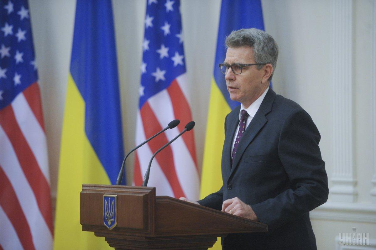 США на этой неделе передадут Украине беспилотники и приборы ночного видения, — Пайетт