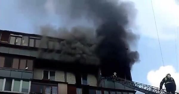 В Киеве во время пожара в многоэтажке сгорели два человека