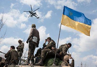 В штабе сообщили о погибшем в зоне АТО и мощном обстреле под Троицким