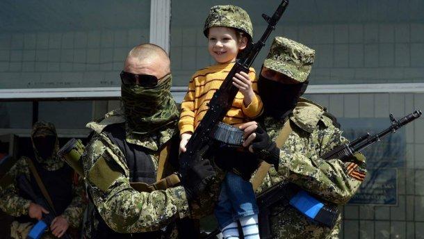 Боевики на Донбассе используют детей как «живой щит» — Госдеп