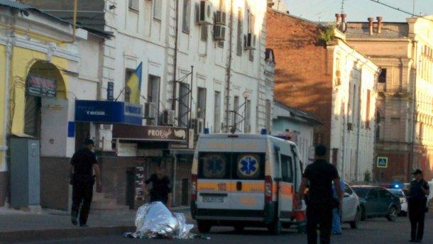 В центре Харькова неизвестные застрелили мужчину
