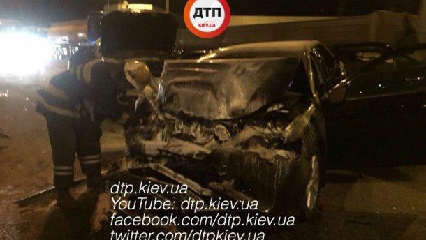 Жуткая авария в Киеве: Toyota на бешеной скорости влетела в Lexus (ФОТО)