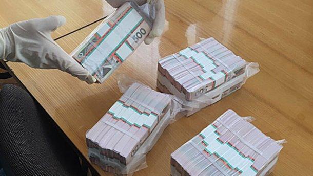 На Львовщине задержали чиновника на взятке в 1,5 миллиона гривен
