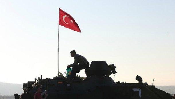 Переворот в Турции: задержаны более 700 подозреваемых военных