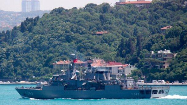 Переворот в Турции: мятежники захватили корабль и взяли в заложники командующего ВМС