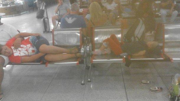 150 украинцев застряли в аэропорту Болгарии