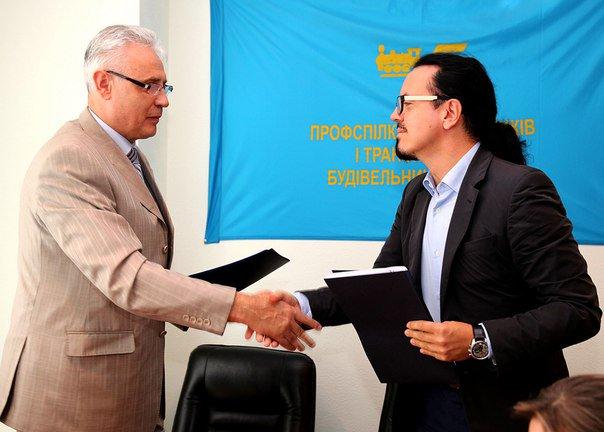 Сотрудникам «Укрзализныци» значительно повысили зарплаты