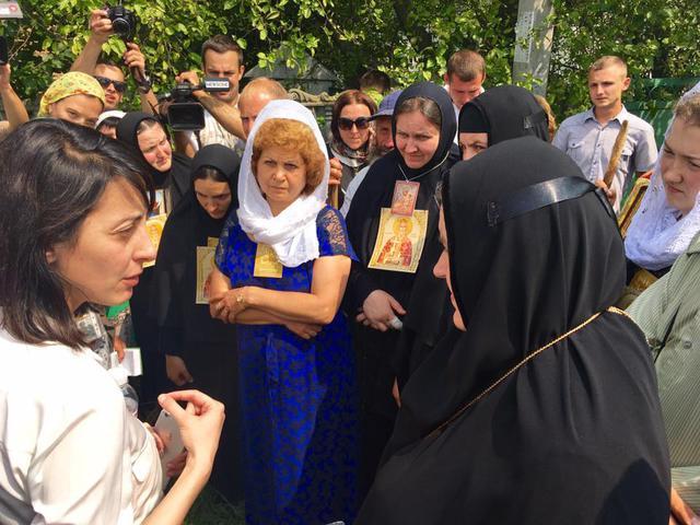 Деканоидзе рассказала о ситуации во время Крестного хода