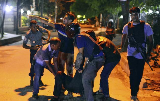 В Бангладеш подтвердили гибель 20 заложников в Дакке