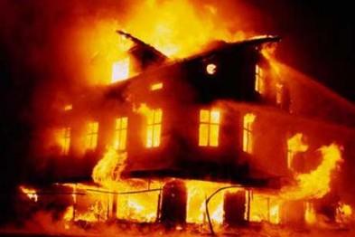 Во Львове во время пожара в доме сгорел охранник