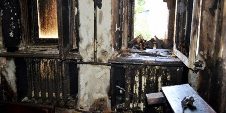 В Одессе во время пожара в собственной квартире заживо сгорели люди (ФОТО, ВИДЕО)