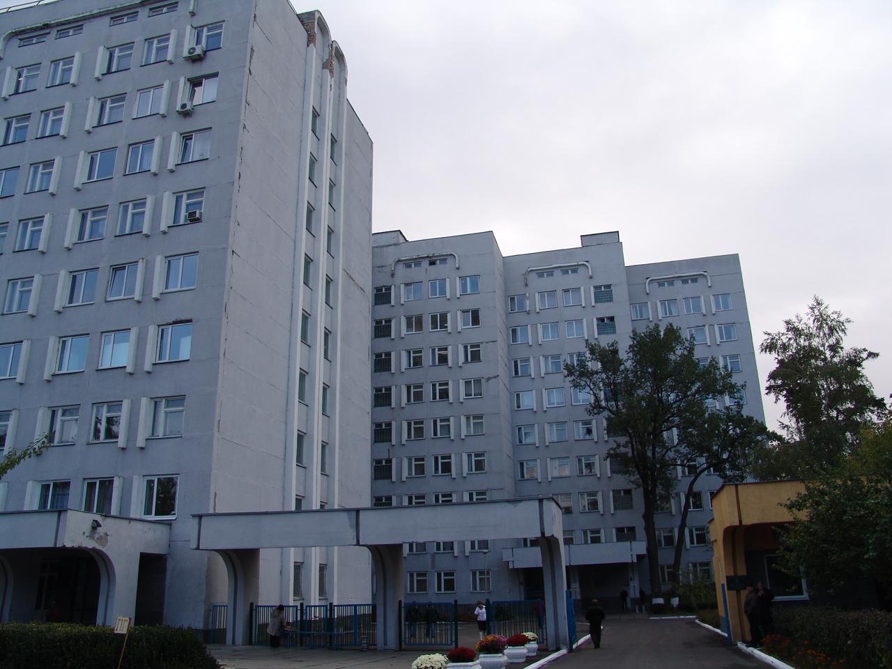Кто продал Киевскому онкоцентру «золотые» швабры