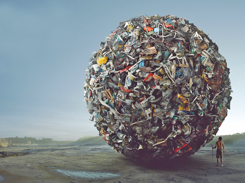 На трассе Киев — Боярка блокируют движение грузовиков с мусором