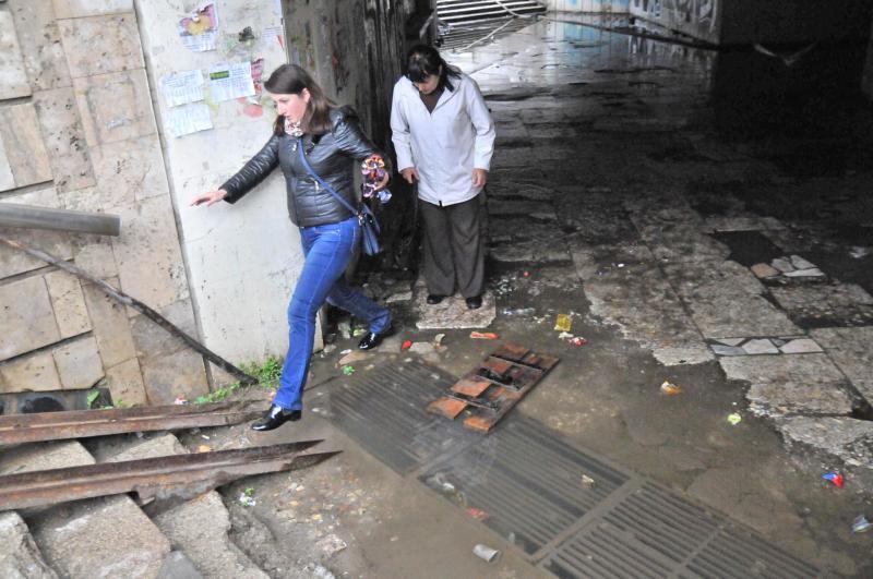 Вместо разрушенного подземного перехода на ул. Стрыйской обустроят наземные (фото)
