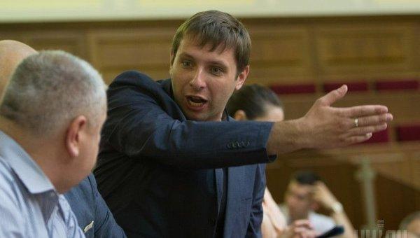 Запускают клоуна: Парасюк высказался о очную ставку Януковича и Порошенко