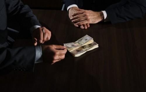 «Украинец ненавидит коррупционера, потому что завидует ему», — экономический эксперт