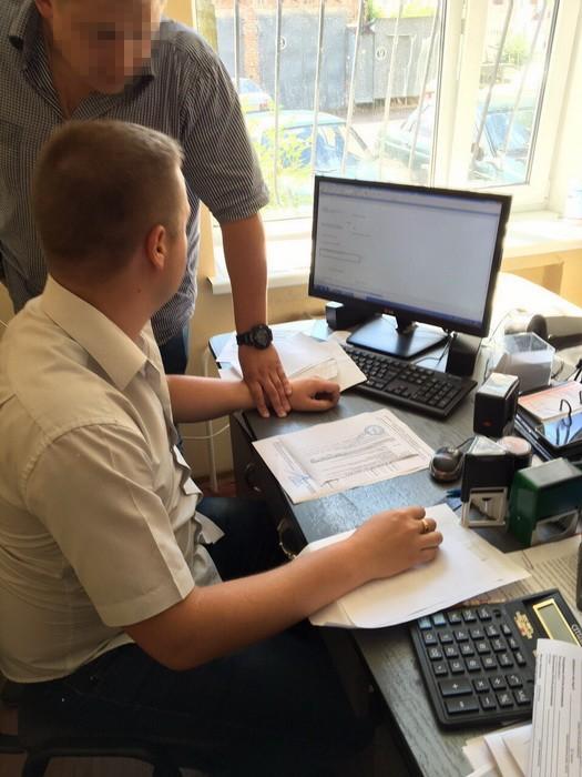 СБУ разоблачила на взяточничестве главного фитосанитарного инспектора Житомира (ФОТО)