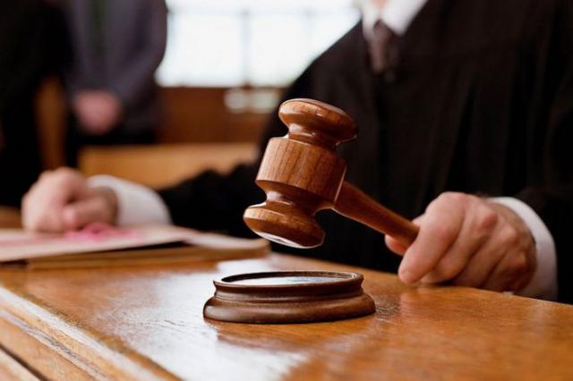 Судье, что изнасиловал адвоката удалось избежать наказания