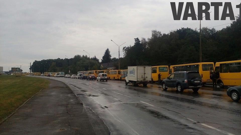 Забастовка маршруток во Львове: какие перевозчики стоят