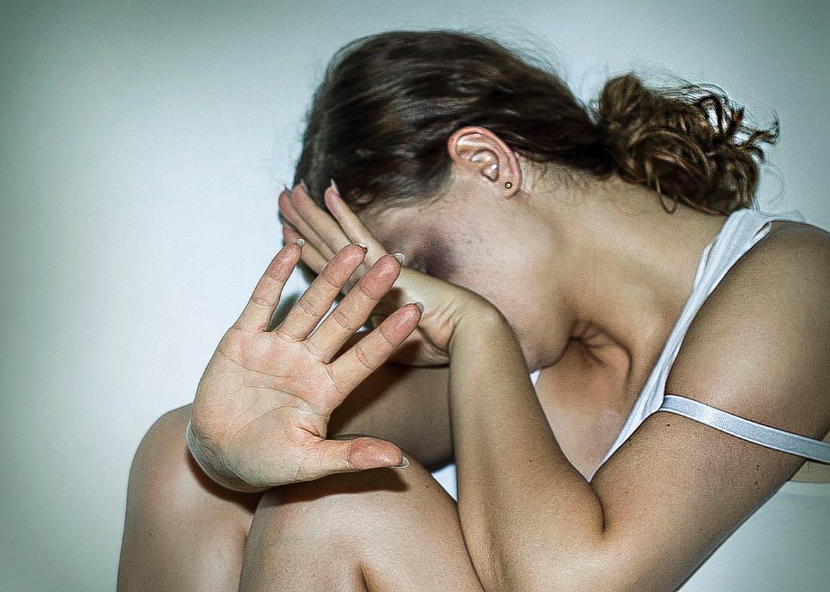 На поминках гости «развлеклись» массовым изнасилованием несовершеннолетней