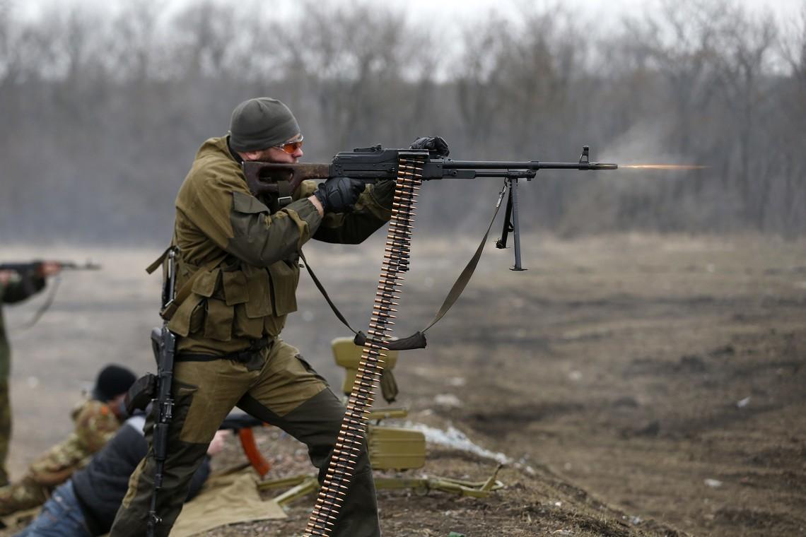 Боевики 30 раз обстреляли позиции сил АТО на Донбассе — штаб