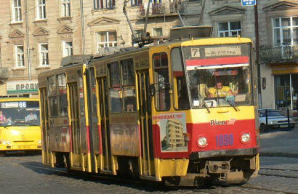 В Львове не курсирует трамвай из-за утечки воды